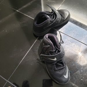 Nike Lebron Toddler Sneakers